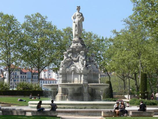Fontaine Place Maréchal-Lyautey