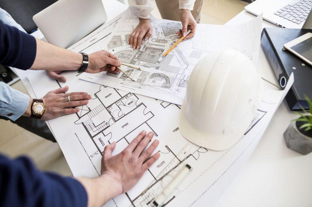 L'architecte est chargé de concevoir et d'élever un espace de sorte que, dans son ensemble, une structure soit formée selon les exigences du client.